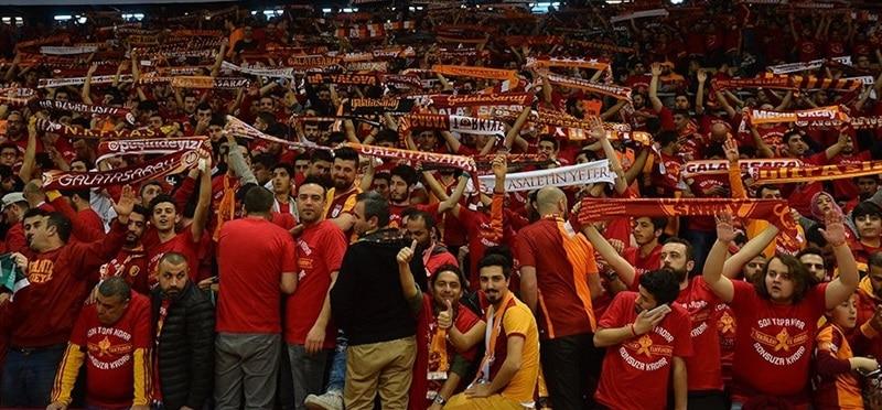 fans-galatasaray-odeabank-istanbul-ec15-photo-galatasaray