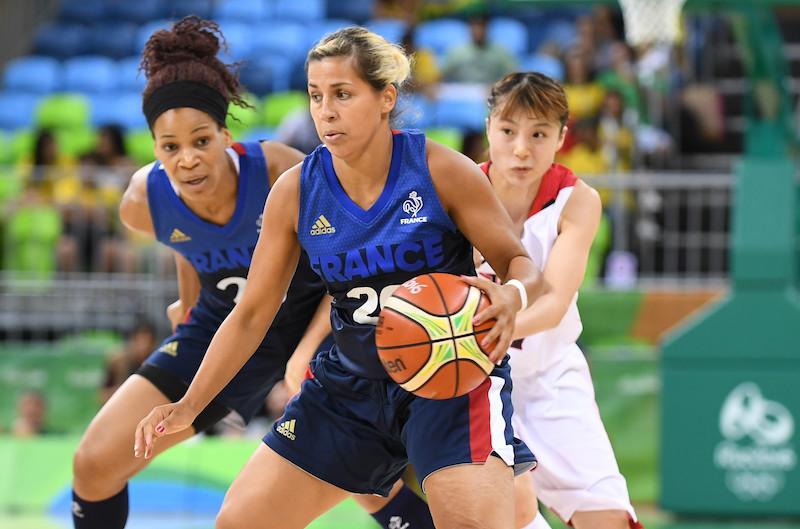 la meneuse de Charleville a été plébiscitée MVP française de la saison 2015-16 et ses performances depuis font qu'elle peut prétendre à un deuxième trophée consécutif