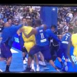 Video : bagarre générale entre l'Australie et les Philippines !