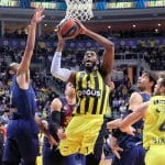 Jason Thompson (Fenerbahce) file en Chine