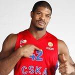 """Kyles Hines (CSKA) : """"Nous sommes au même niveau que la NBA dans les années 60"""""""