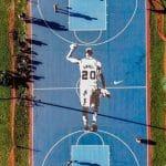 La photo: Manu Ginobili à l'honneur sur un playground de Buenos Aires