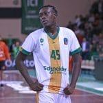 Vidéo: Quand Sekou Doumbouya enchaîne les trois-points