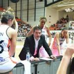 """Olivier Lafargue (entraîneur de Bourges) : """"Quand on est capable de montrer un niveau de basket comme ça, c'est un régal"""""""