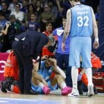 Vidéo : Alessandro Gentile quitte le parquet après s'être cogné la tête sur le sol