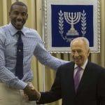 L'ancienne superstar de la NBA Amar'e Stoudemire a signé au Maccabi Tel-Aviv