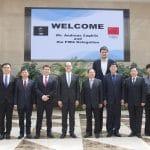 La photo: Quand le Secrétaire général de la FIBA rencontre Yao Ming et les dirigeants chinois