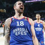 Turquie: Adrien Moerman cartonne et Anadolu Efes mène 3 manches à 2