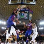 Espagne: Le Barça domine le clasico de la tête et des épaules