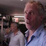 Vidéo: Quand David Cozette apprend le métier d'hôtelier
