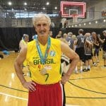 Ancien joueur à Nice dans les années 70, Tom Chestnut est devenu un as mondial à plus de 65 ans