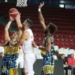 Italie: 34 points pour Luis Scola (Varese) face à Cremone