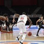 Vidéo: Le panier victorieux au buzzer de Thomas Scrubb (Bourg) face au Partizan Belgrade