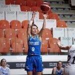 Céline Dumerc fait gagner à ses fans son dernier maillot d'Euroleague