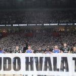 La photo : 15000 spectateurs à Belgrade pour honorer la mémoire de Dusko Ivkovic